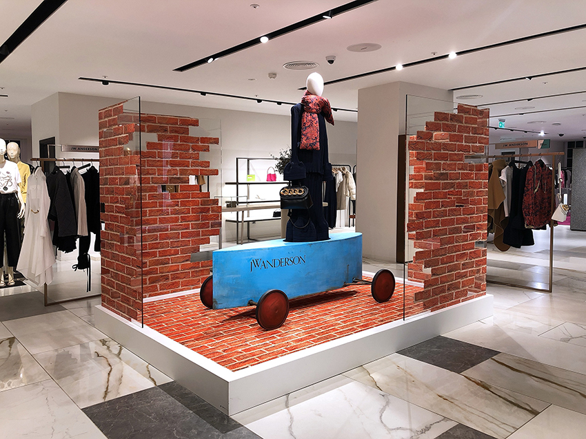The Graphical Tree has been working with long time friends, designer fashion brand JW Anderson, printing and installing this fantastic VM display at Harvey Nichols, London.